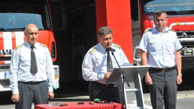 Сред загиналите има и четирима наши колеги, заяви комисар Васил Василев (в средата). Снимка Черноморие-бг