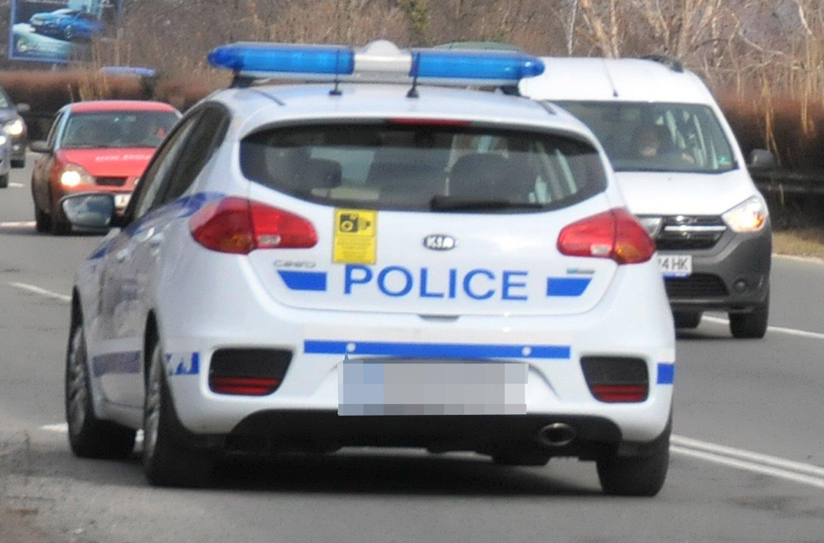 Полицаите в Царево са установили извършителите на деянието. Снимка Архив Черноморие-бг