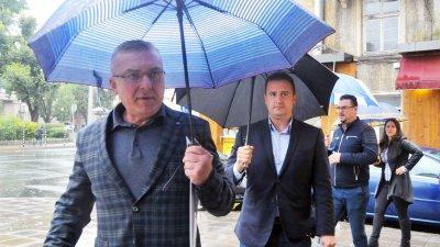Областният председател на ГЕРБ Димитър Бойчев (на преден план) няма да е кандидат за депутат. Снимки Черноморие-бг