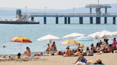 Отново горещо ще бъде и по морското крайбрежие. Снимка Черноморие-бг