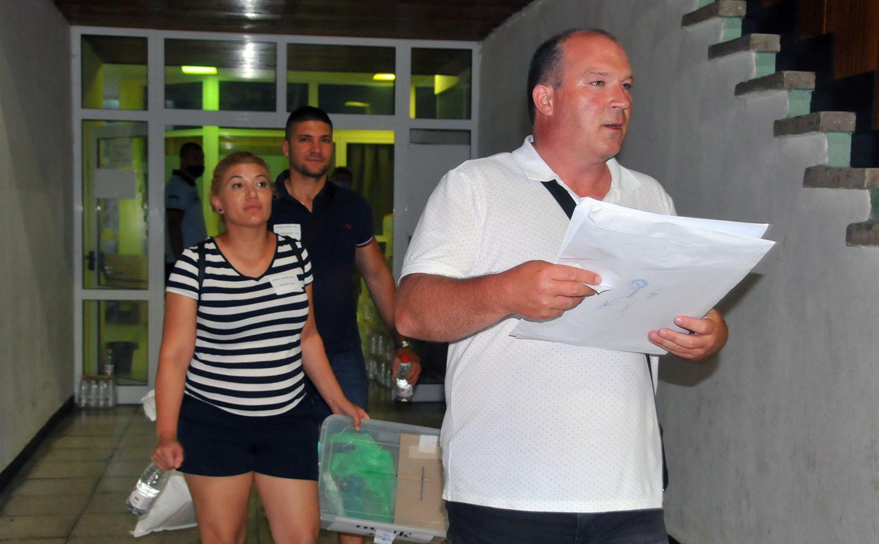 До 22.00 часа са обработени 14,20% от изборните протоколи. Снимка Черноморие-бг