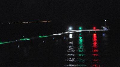 Мостът ще свети и навръх 3-ти март в светлините на националното знаме. Снимки Черноморие-бг