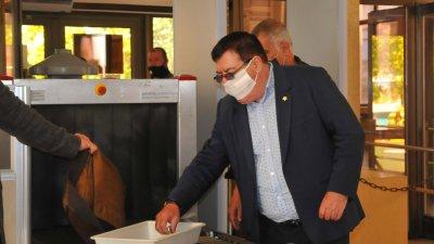 Поредното заседание по делото, по което е подсъдим Бенчо Бенчев, се проведе днес. Снимки Черноморие-бг