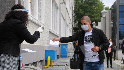 Най-много са зрелостниците в Бургаско, които са избрали английски език за втората си матура. Снимка Черноморие-бг