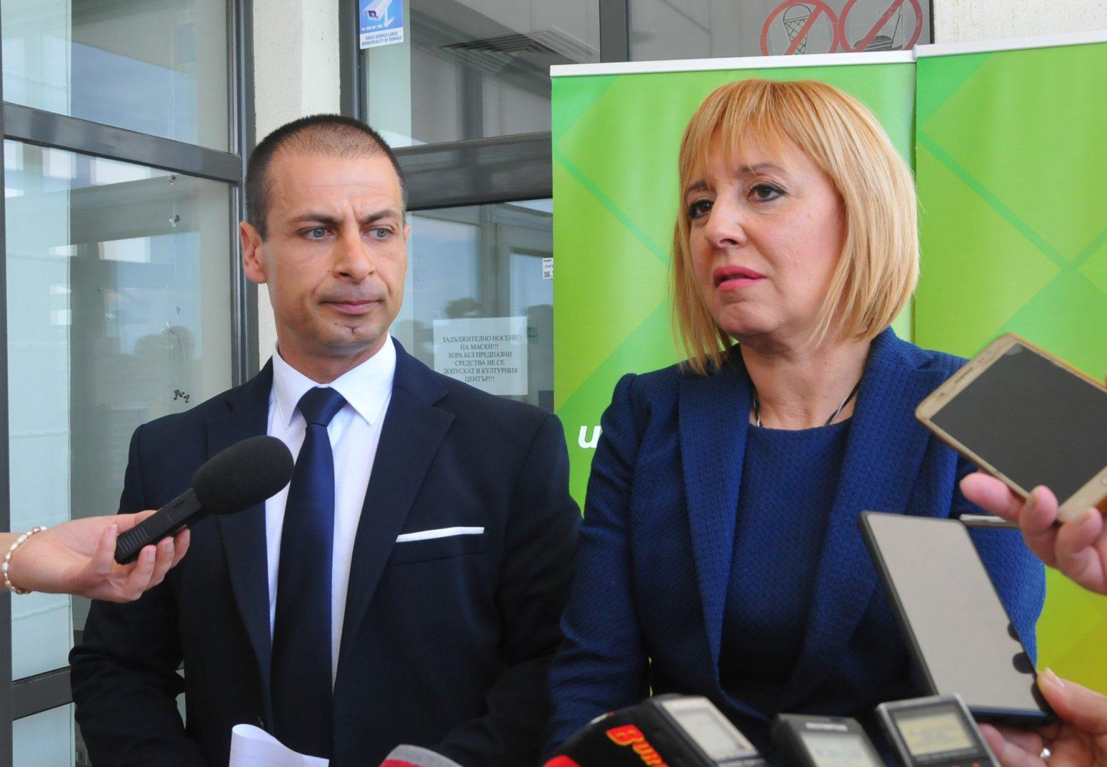 Притеснително е, че до този момент Министерство на туризма не е качило на официалния си сайт летателната програма на летище Бургас, заяви Живко Табаков. Снимка Черноморие-бг