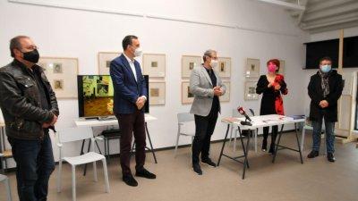 Новата специалност бе представена в Магазия 1 в присъствието на кмета на Бургас Димитър Николов (вторият отляво надясно) и ректорът на НХА проф. Георги Янков (в средата). Снимки Черноморие-бг