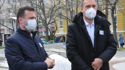 Жечо Станков (вляво) направи силна предизборна кампания. Снимка Черноморие-бг
