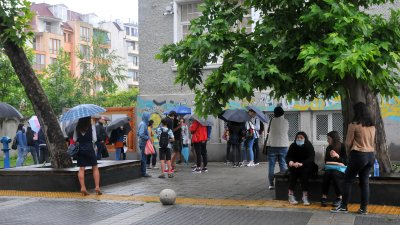 Седмокласниците се явиха на изпитите при спазване на мерките за сигурност. Снимка Архив Черноморие-бг