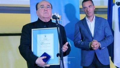 Проф. Хикмет Мехмедов повече от 20 години е свързан с Държавна опера - Бургас. Снимка Черноморие-бг
