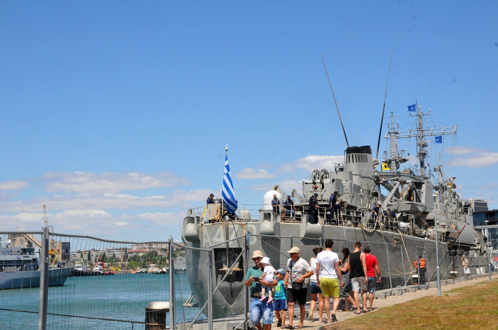 Кораби на НАТО акостират на Бургаското пристанище за участие в БРИЗ 2020. Снимки Черноморие-бг
