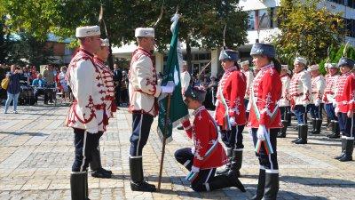 Знамето на гвардейците бе връчено на тържествена церемония. Снимки Черноморие-бг