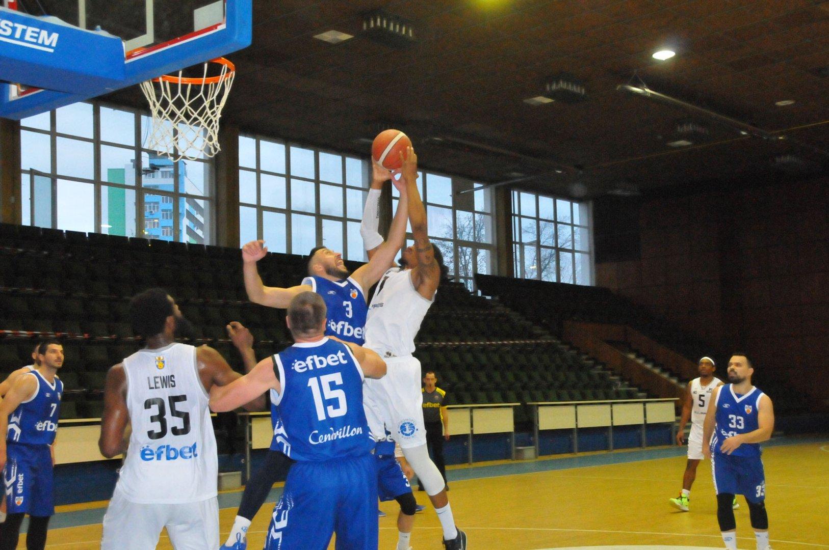 Бургазлии успяха да спечелят срещата срещу Спартак - Плевен, но се класираха четвърти в лигата. Снимки Черноморие-бг