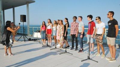 Четири дни преди концерт-спектакъла Фортисмо направи генерална репетиция пред Казиното. Снимки Черноморие-бг