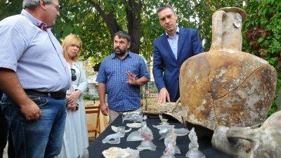 Предметите са открити при проучвания на риф край нос Чироза. Снимки Черноморие-бг