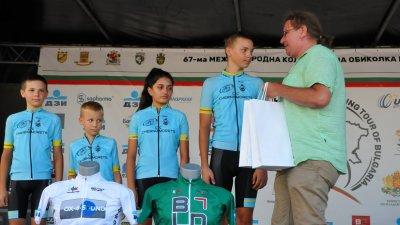 И четиримата отличени са от колоездачен клуб Черноморец. Снимка Архив Черноморие-бг