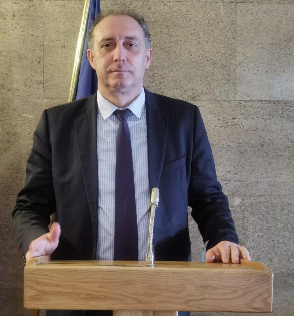 С други промени бързият интернет се включва в универсалната услуга, каза депутатът Иван Вълков