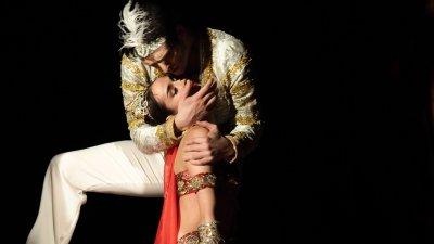 Спектакълът е отличен с награда Златна муза през 2019 година. Снимки Държавна опера Бургас