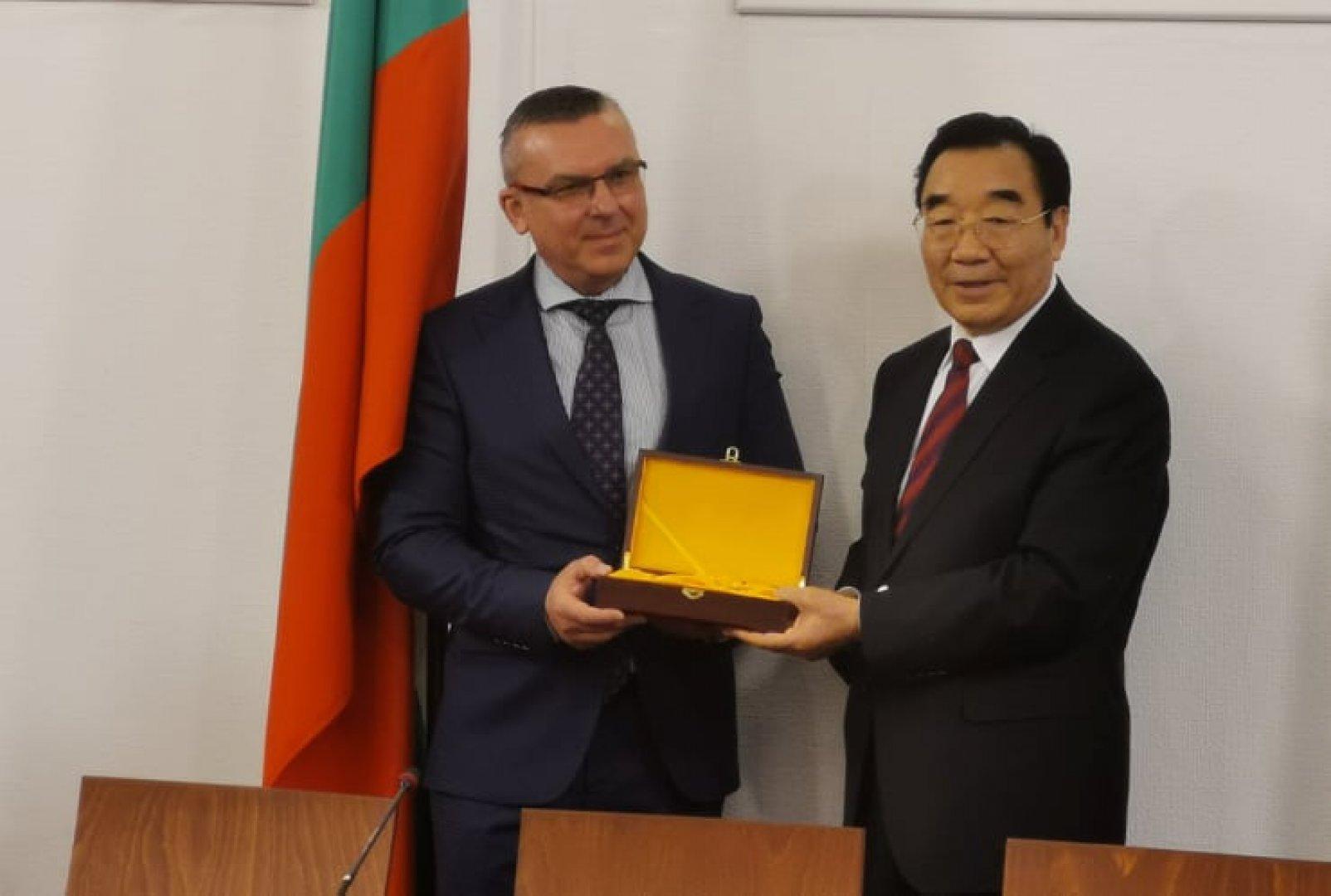 Поводът за срещата 70-ата годишнина от двустранните дипломатически контакти. Снимки ГЕРБ - Бургас