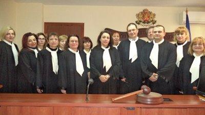 Новите заместници встъпиха в длъжност. Снимка Апелативен съд - Бургас