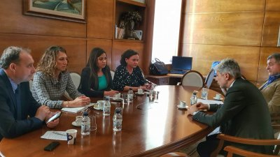 Екоминистър Нено Димов и бургаски депутати от ГЕРБ но извэнредна среща за чистожтата на мвъздуха в Бургас. Снимка Пресцентър ГЕРБ