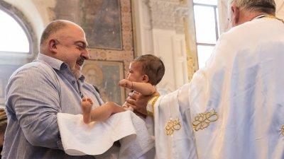 Ути Бъчваров бе един от звездните кръщелници в Бургас миналата година. Снимка Архив