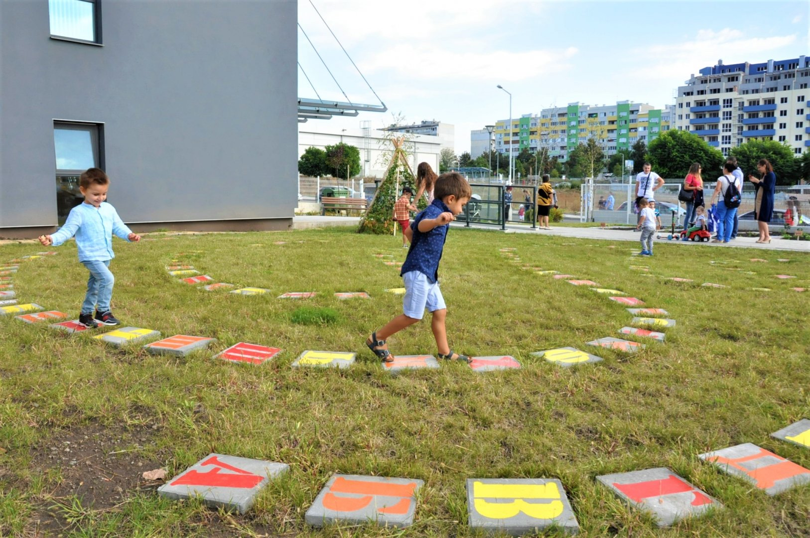 Едва 30% от децата се върнаха в яслите и градините от днес. Снимка Община Бургас