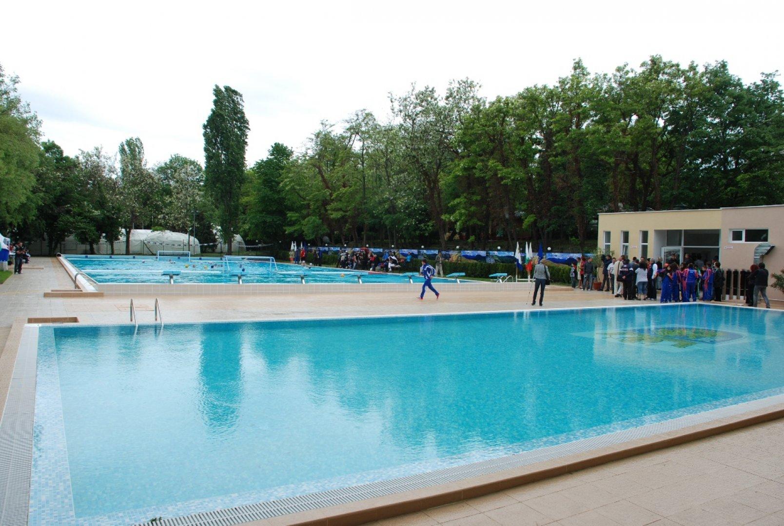 На басейна на Флората ще тренират чужди отбори вместо бургаски клубове. Снимка Архив