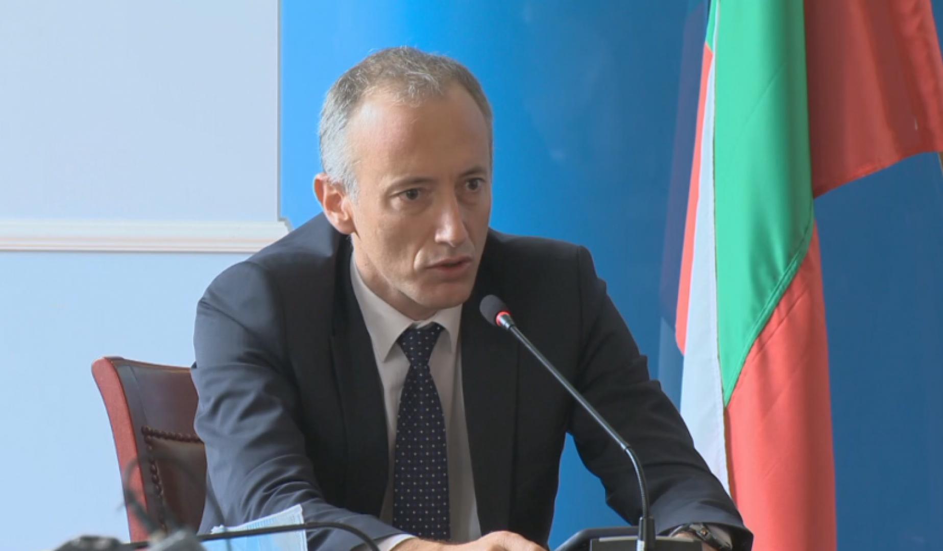 Според министър Вълчев има всички шансове учебната година да се проведе присъствено. Снимка БНТ