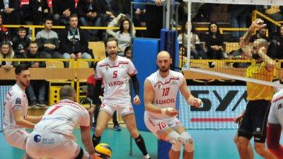 Трима от бургаския отбор са включени в състава на националния тим по волейбол. Снимка Община Бургас
