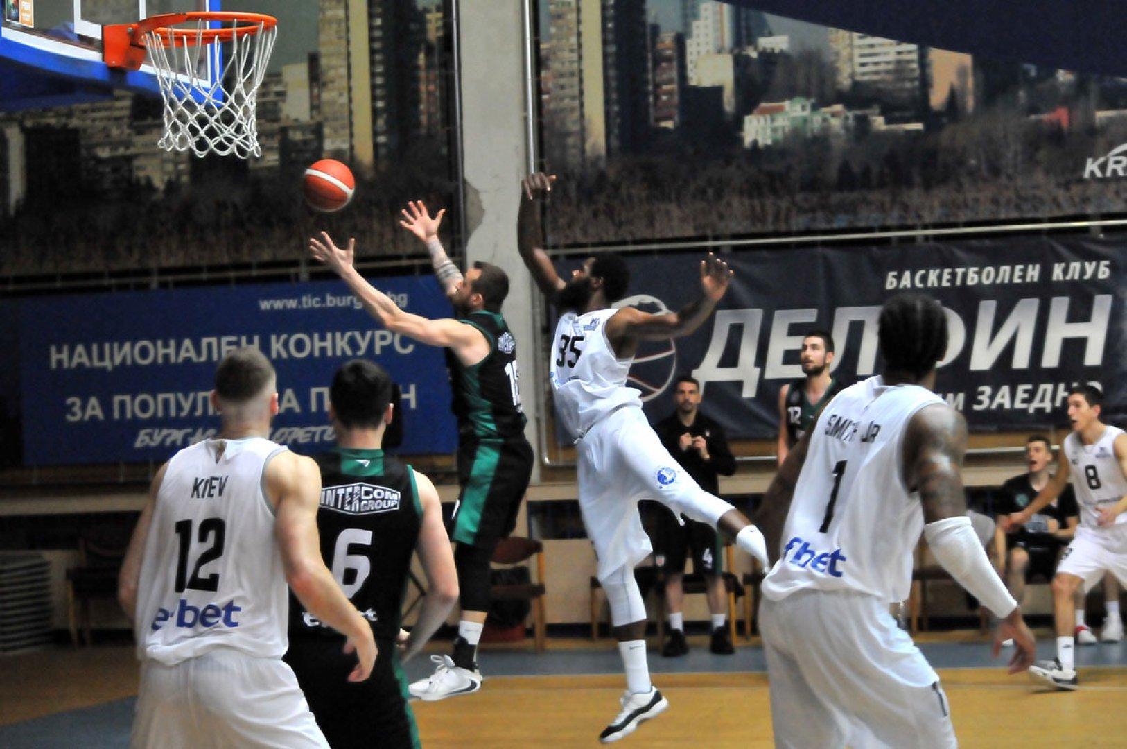 Баскетболният Черноморец има силен сезон