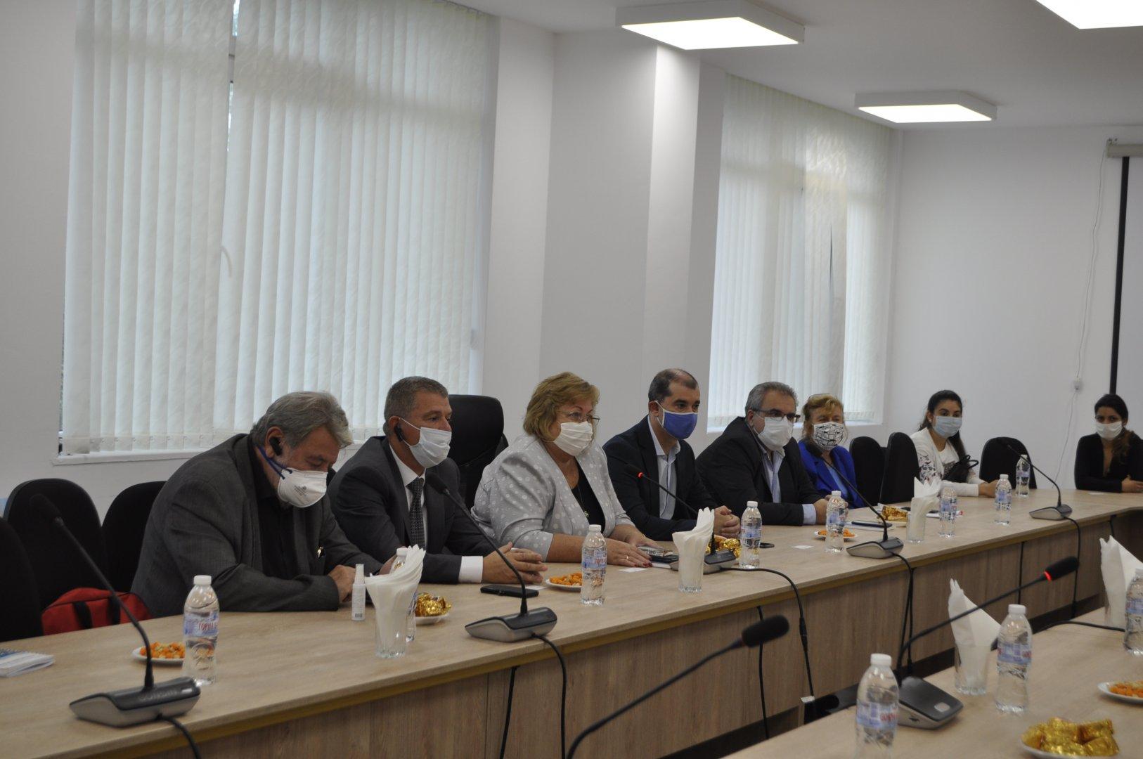 Срещата се проведе в университета. Снимки Община Бургас