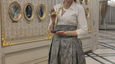 Гергана Стоянова получи статуетката на церемония в Народния театър. Снимка Личен архив