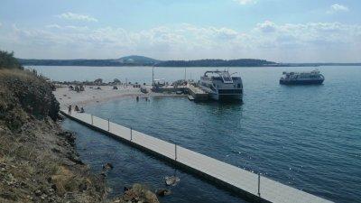 Новият кей на острова е задършен, реконструиран е и стария пристан. Снимки Община Бургас