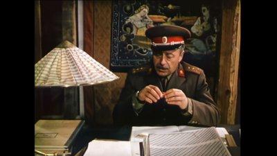 И филмът Опасен чар е сниман в Бургас. Сцена с участието на актьора Тодор Колев