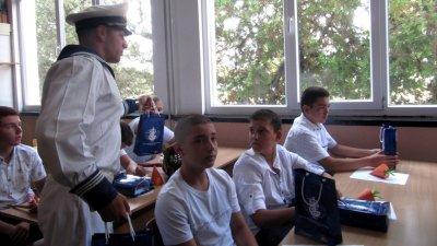 За един месец учениците от Морското ще останат извън класните стаи. Снимка Архив