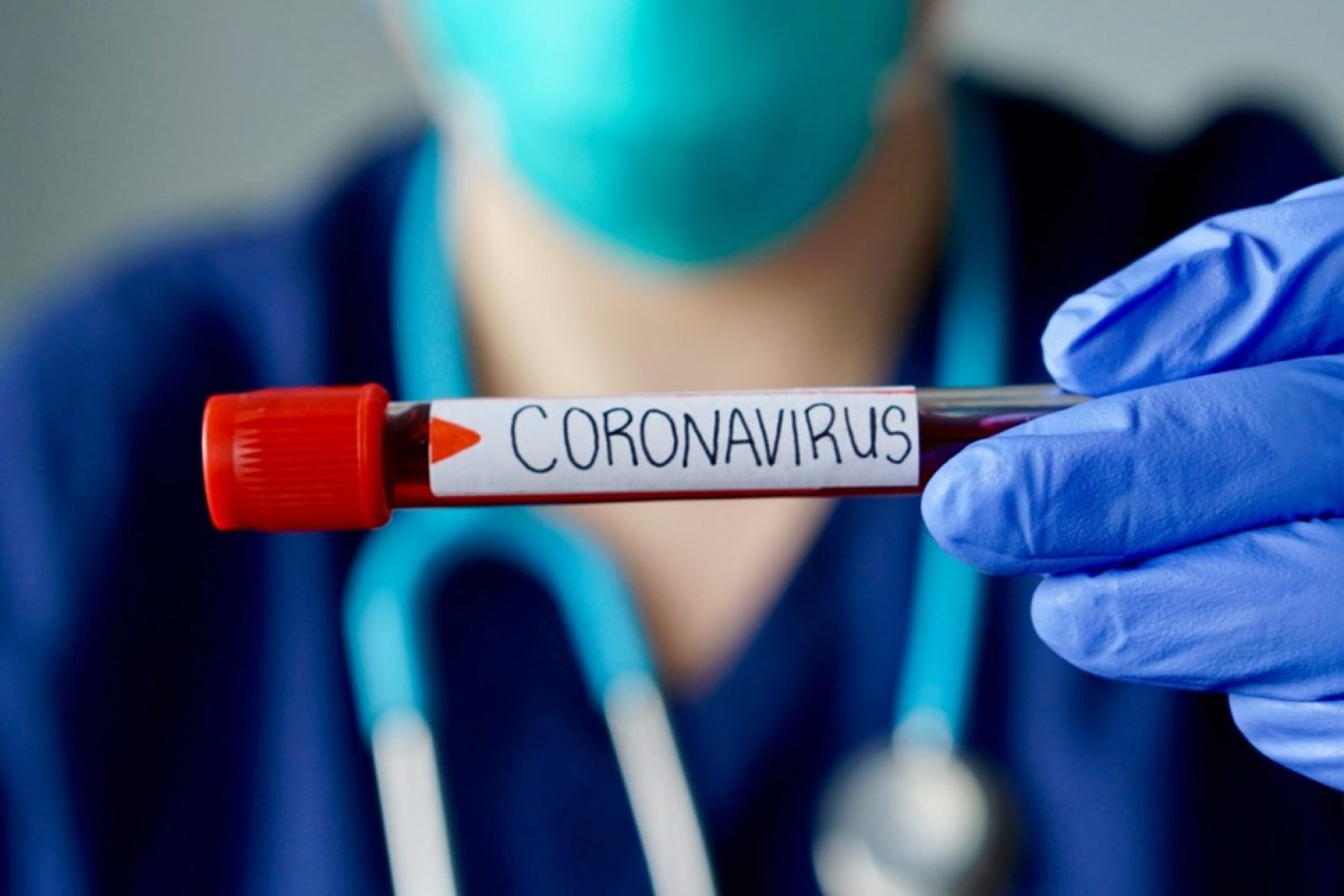 PCR е отчел наличие на корона вирусна инфекция в софиянеца. Снимката е илюстративна