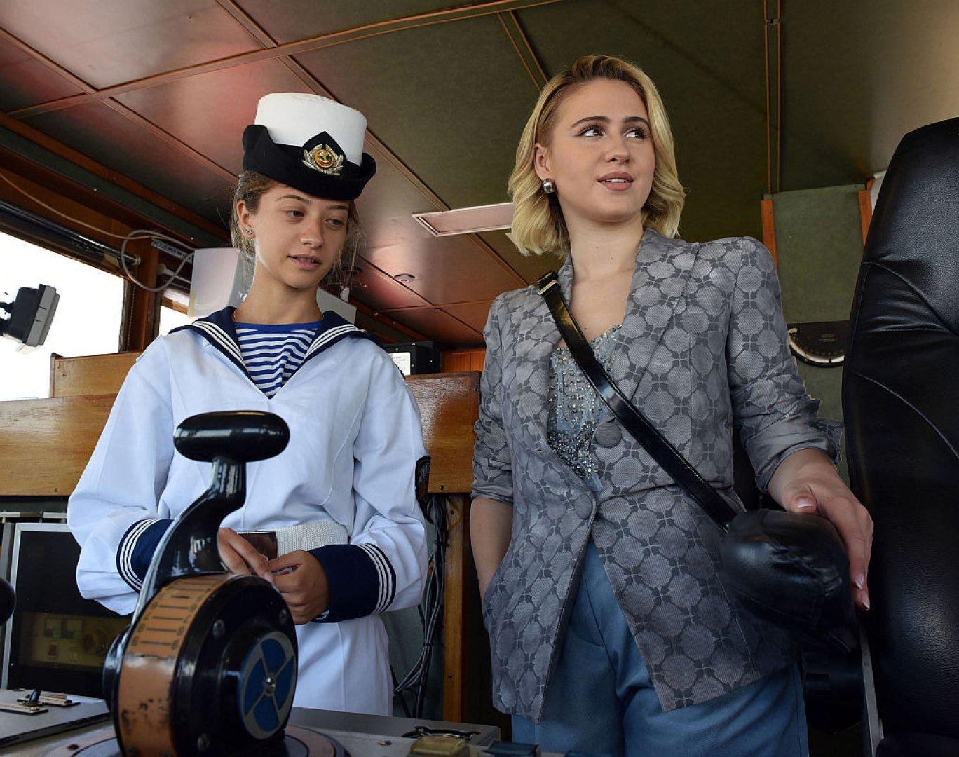 Мария Бакалова кръсти кораба навръх днешния празник на светите Седмочисленици. Снимки БТА