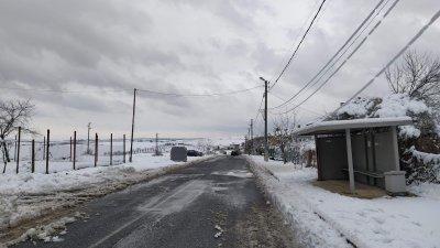 Пътят Меден рудник - Твърдица е проходим при зимни условия. Снимки Авторът