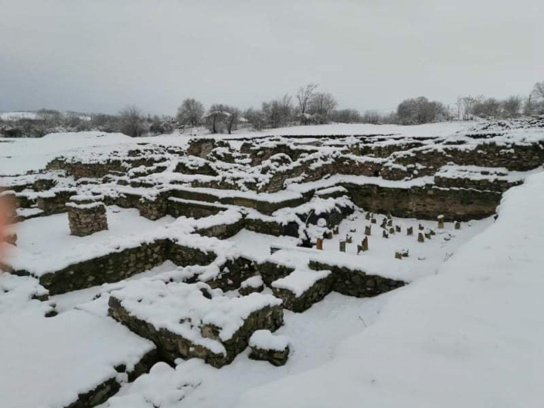 Римската колония е в снежна прегръдка. Снимки НАР Деултум - Дебелт