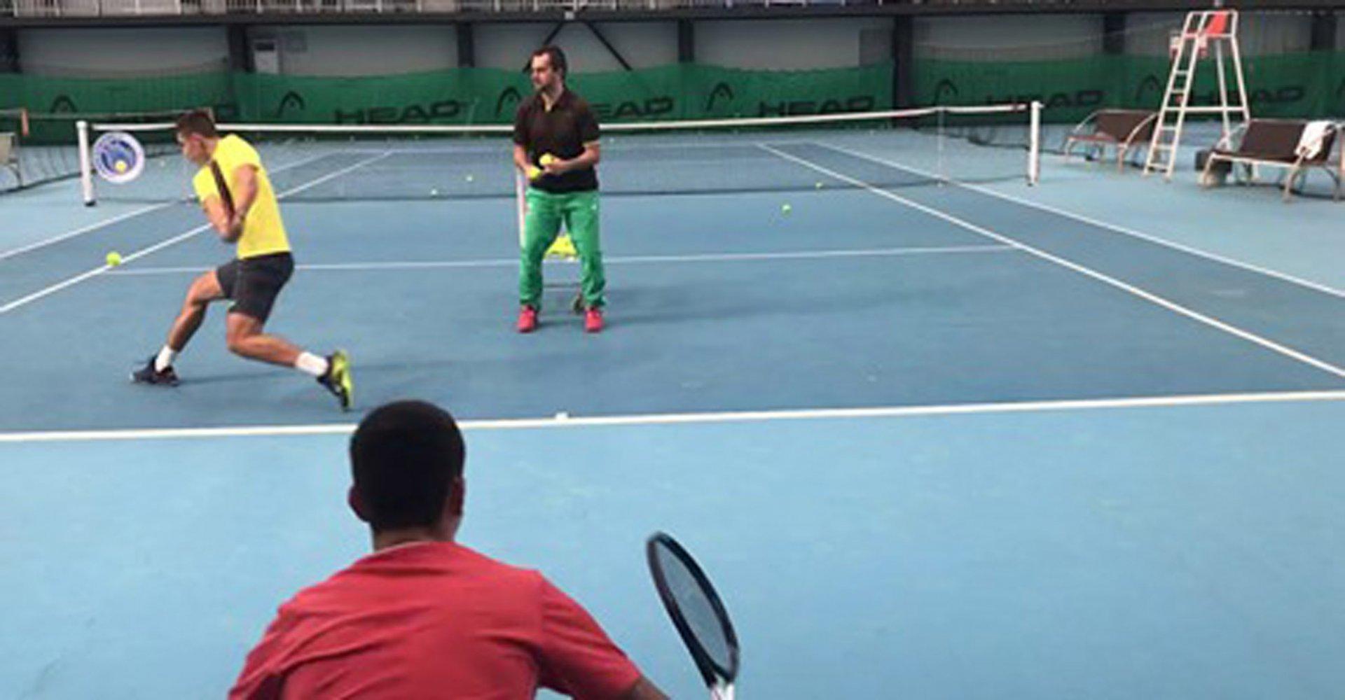 Срещите ще се играят в спортната зала на тенис клуб Авеню