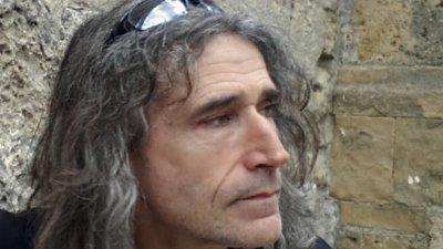 Светлан Иванов е автор е на дизайна на експозицията в Природонаучния музей в Бургас. Снимка РИМ - Бургас