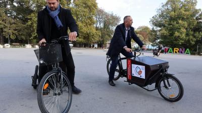 Велосипедите са закупени по европейски проект и стойността на всеки е 4 000 лева. Снимки Община Варна