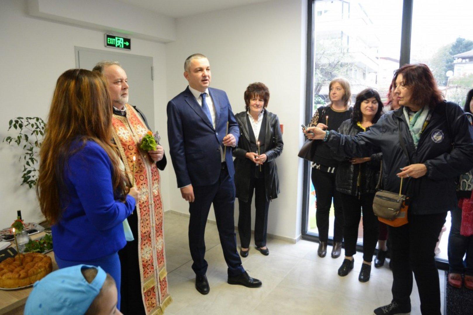На откриването присъства и кметът на община Варна Иван Портних. Снимки Община Варна