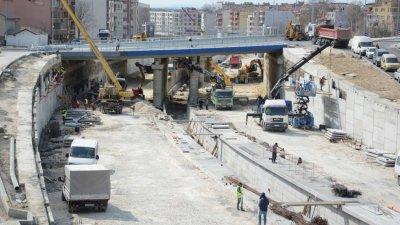 Строително-монтажните действия продължават. Снимки Община Варна