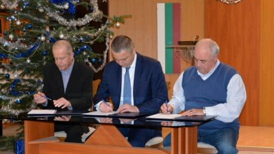 Колективният трудов договор урежда взаимоотношението с Общината. Снимка Община Варна