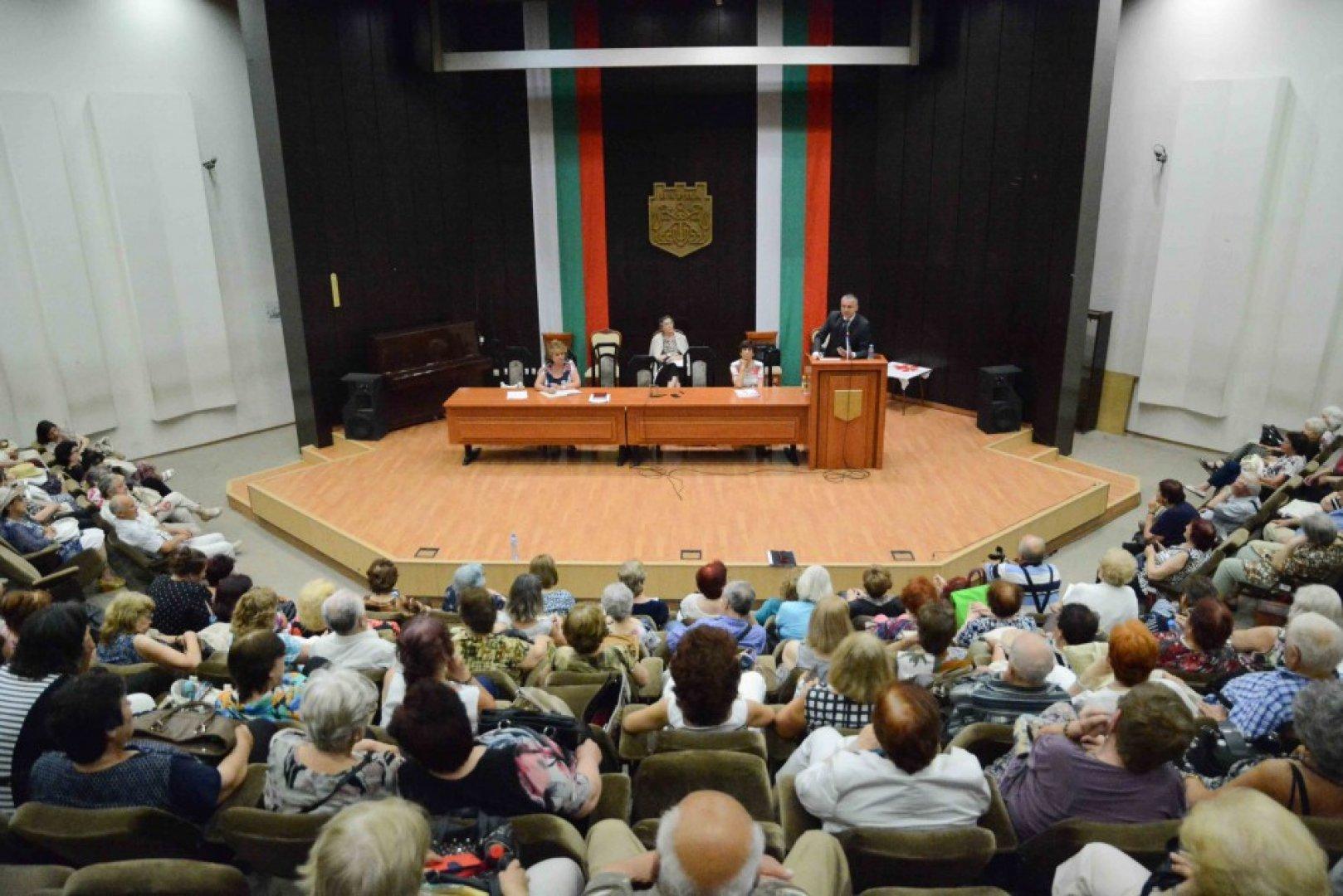 На територията на община Варна функционират 24 пенсионерски клуба. Снимка Община Варна