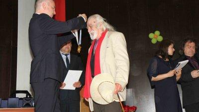 Отличията се връчват в навечерието на 24 май. Снимки Община Варна