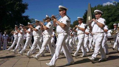 Оркестърът на Военноморските сили участва в тържествата. Снимки Община Варна
