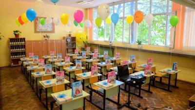 Подадени са 2458 заявления за прием, от които 2227 - за първи клас и 231 - за подготвителните групи. Снимка Община Варна