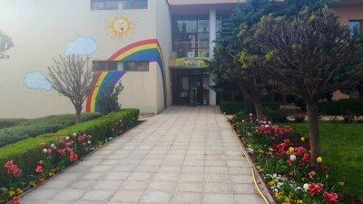 Детските градини в цялата страна са затворени със заповед на здравния министър